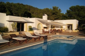 Large property exclusively located on a 10.000 m2 plot at the top of a cliff overlooking the south coast and the mountains, between the village of San Jose and Ibiza city., San Jose