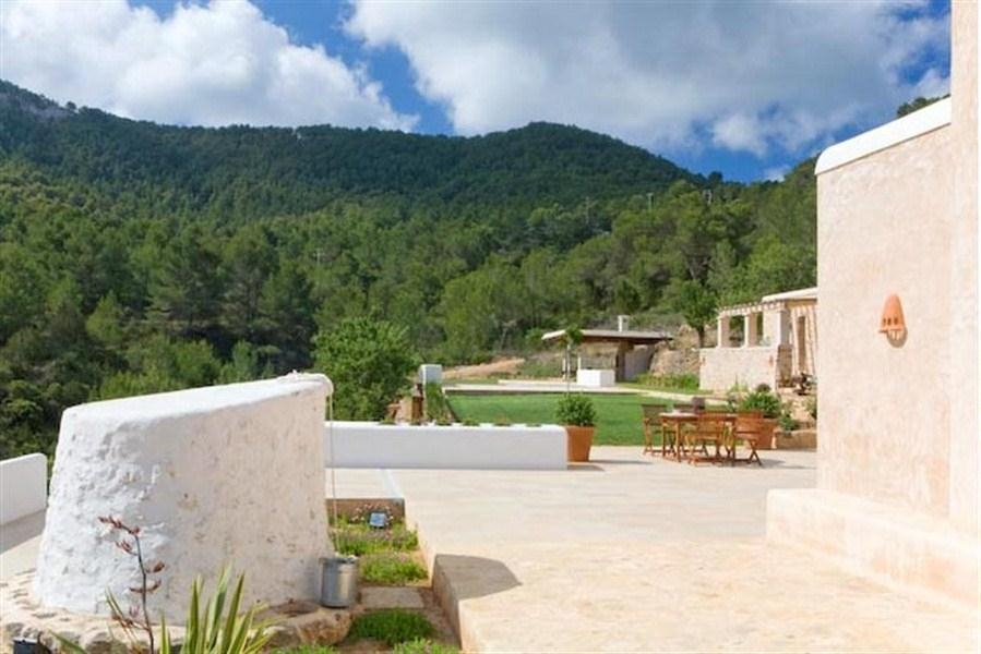 Ibiza travel and vacation rentals 867 villa for rent in - Ibiza house renting ...