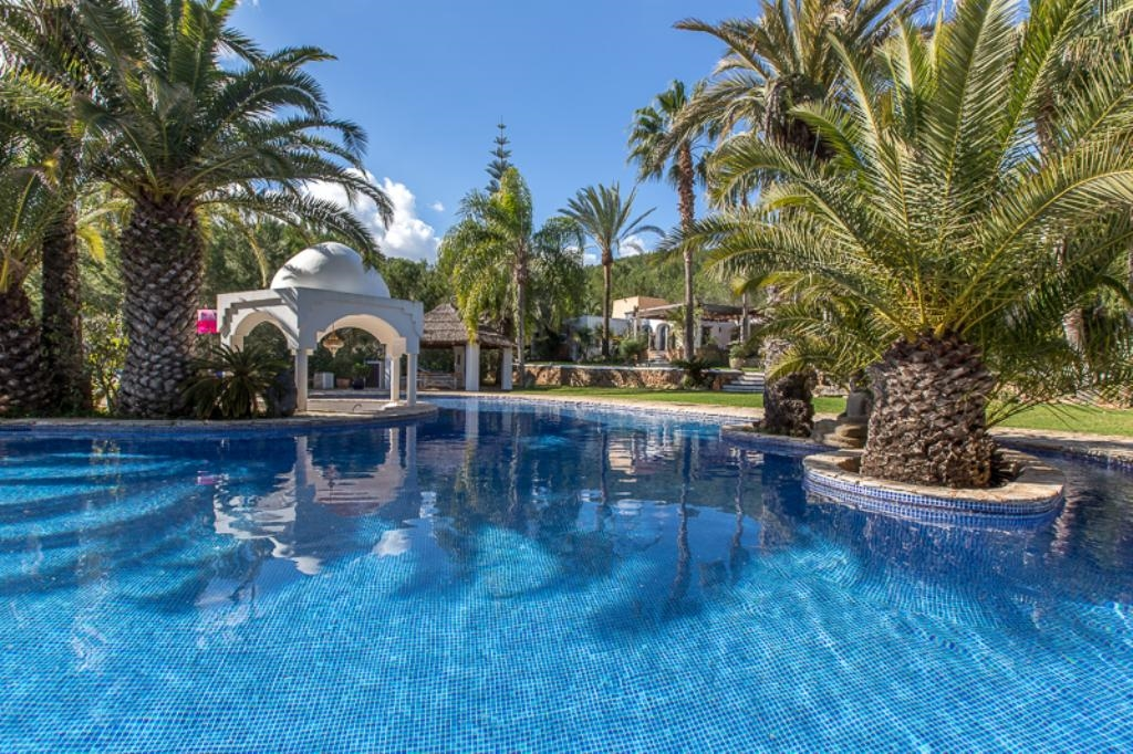 Luxury Villa in Ibiza, San Lorenzo for Rent with 5 Bedrooms