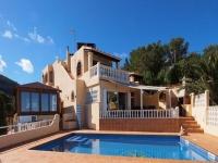http://foto.i-rent.net/rental/spain/ibiza/san-josep/cala-moli/villas/villa-913_46512/913_00.jpg
