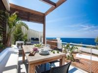 http://foto.i-rent.net/rental/spain/ibiza/san-josep/vista-alegre/villas/villa-819_47446/819_01.jpg