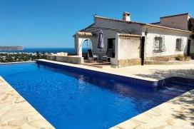 Grote en comfortabele villa met privé zwembad in Javea, aan de Costa Blanca, Spanje voor 8 pe, Javea