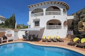 Mooie en comfortabele villa in Moraira, aan de Costa Blanca, Spanje  met privé zwembad voor 6 personen, Moraira