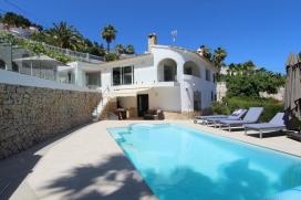 Mooie en comfortabele villa  met privé zwembad in Moraira, aan de Costa Blanca, Spanje voor 6 personen, Moraira